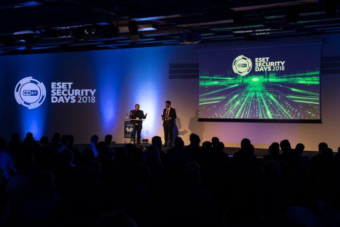 Karas be taisyklių: kibernetinio saugumo beieškant